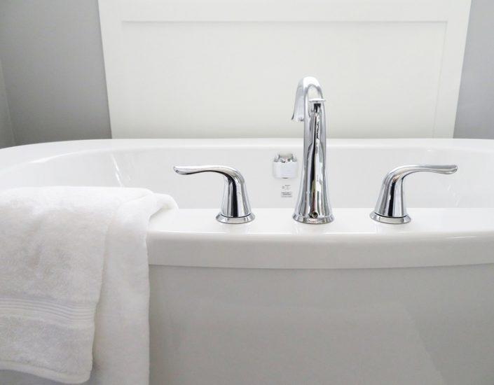 robinetterie d'une baignoire