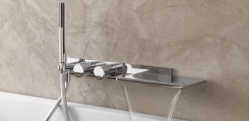 Peut on modifier la robinetterie d une baignoire lors d un for Peut on repeindre une baignoire